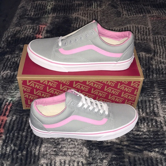 *BRAND NEW* Vans Old Skool Grey with Pink Accents NWT